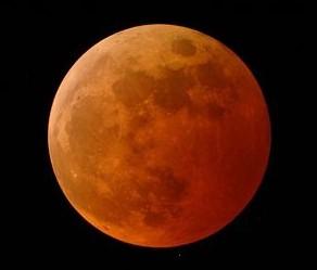 lune de sang orange