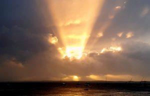 soleil derriere nuages