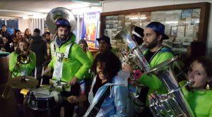 cabanes en fete brass band gilet vert