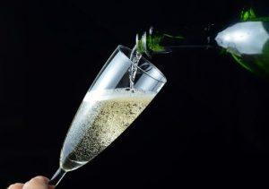 champagne servi verre