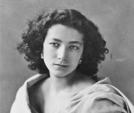 Les révélations (excentriques) d'Oncle François : Sarah Bernhardt et sa jambe de bois 19/08/18 Il est bien connu que la grande...