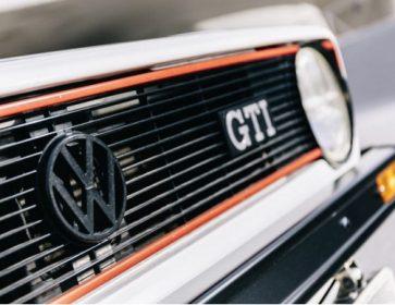 Sur la route… Patrice Vergès raconte la Golf GTI ! 18/02/19 Ecoutez cette rubrique en podcast radio. Patrice Vergès raconte en...