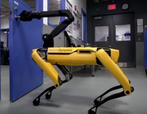 spot chien robot ouvre porte